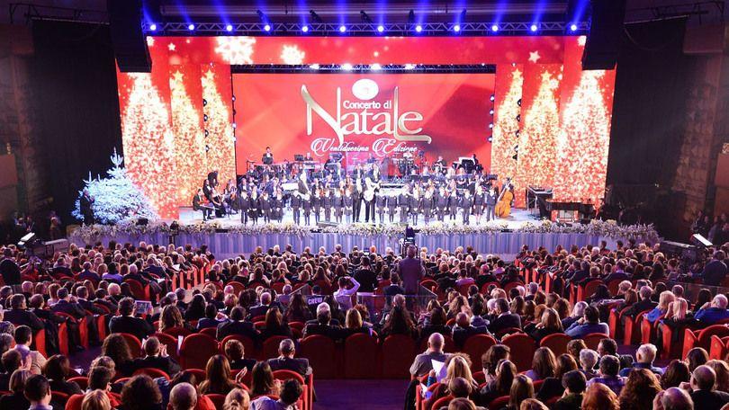 Concerto di Natale questa sera su Canale 5 con Federica Panicucci