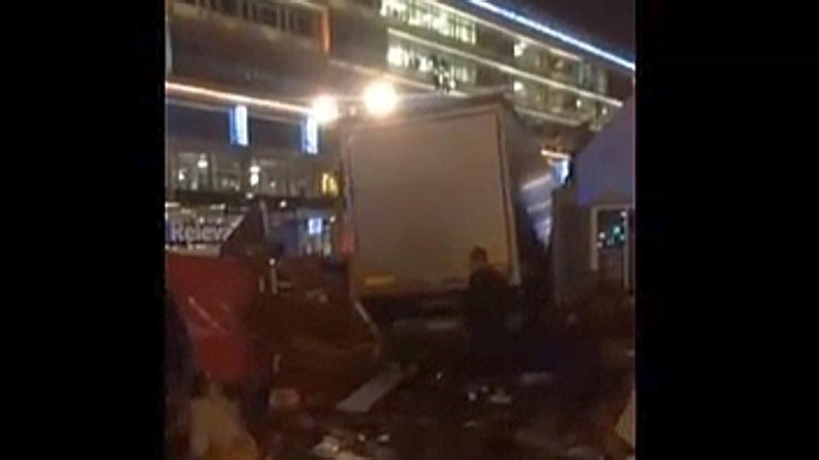 Berlino: i morti nell'attentato sono 12, interrogato il rifugiato pachistano
