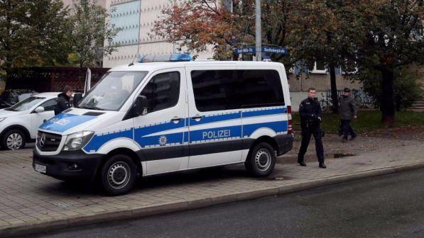 Germania, fallito attentato al mercatino di Natale: l'attentatore è un 12enne