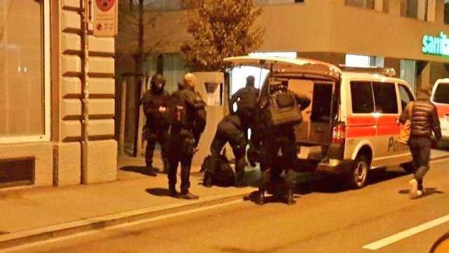 Attentato anche a Zurigo: sparatoria nei pressi di un centro islamico