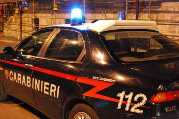 Cerca di uccidere la moglie prendendola a bastonate, arrestato anziano a Volpiano