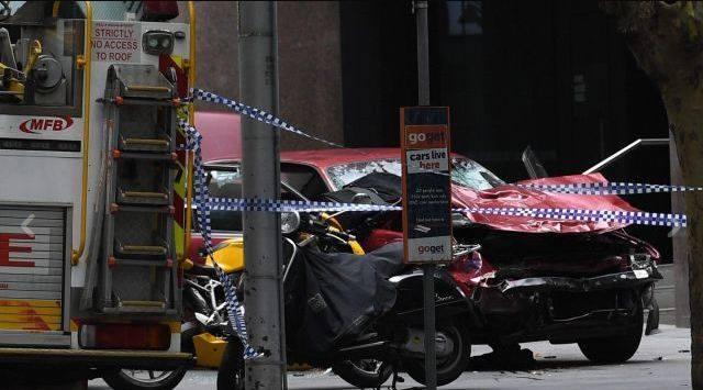 Melbourne, auto contro pedoni: tre morti e almeno 20 feriti