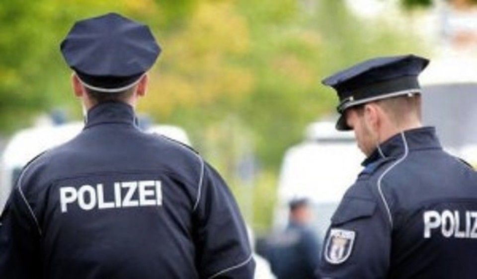 Allarme attentato in Germania, chiuso centro commerciale