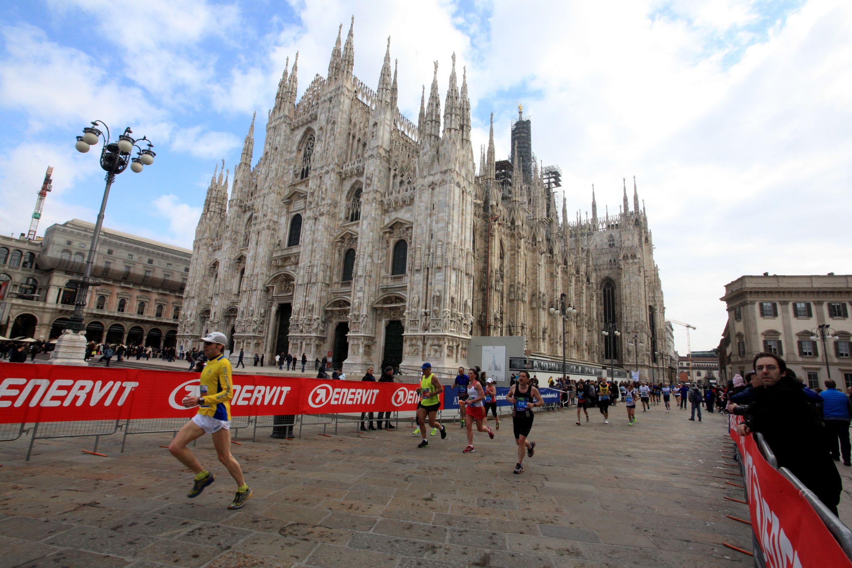 Milano Marathon, in 25mila al via Record d'iscritti e beneficenza